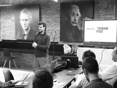 Alberto Talegón CEO de deSEOs.org en el Taller de SEO en 'Soterrani de les Idees'